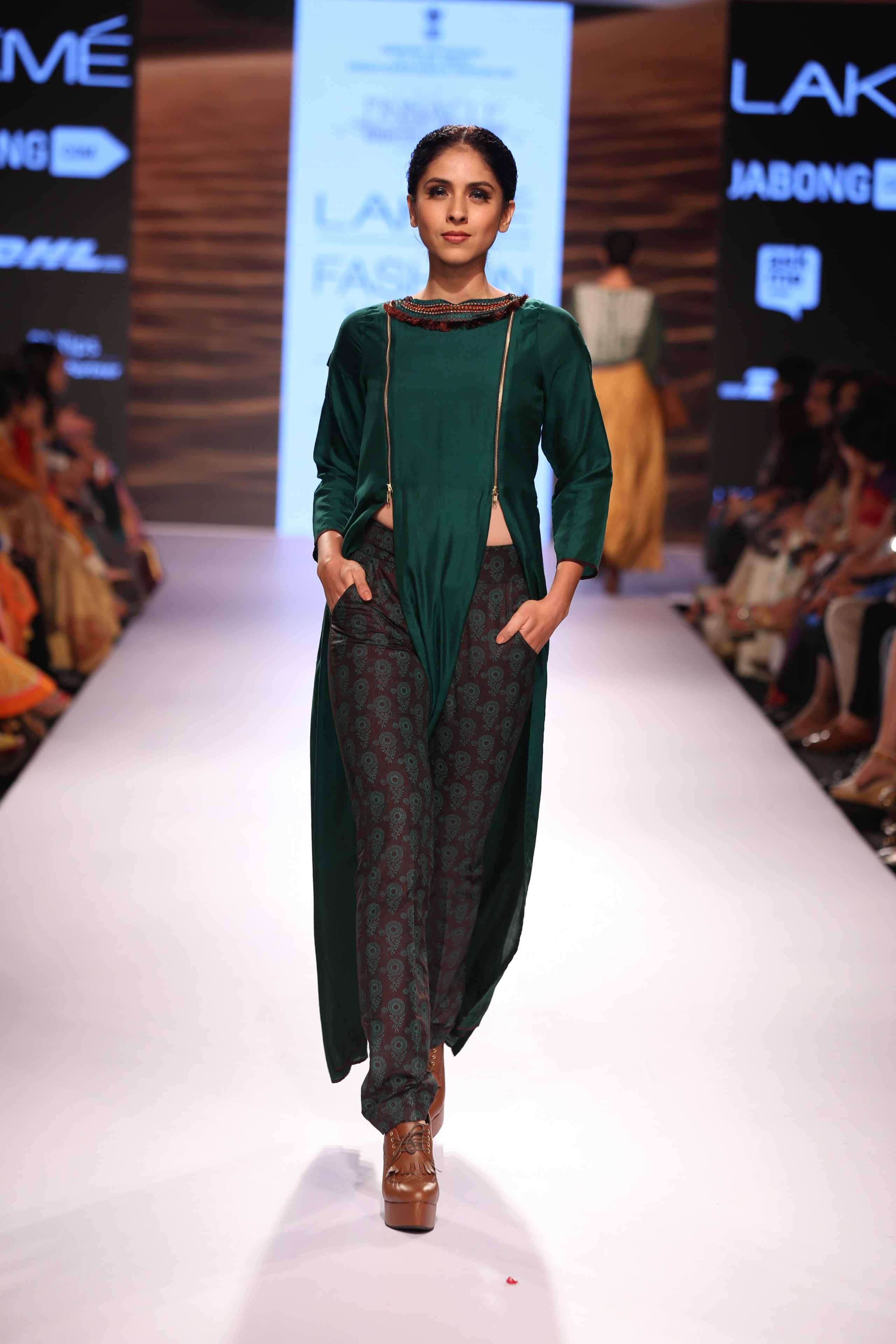 Shruti Sancheti at Lakme Fashion Week Summer Resort 2015 (2)