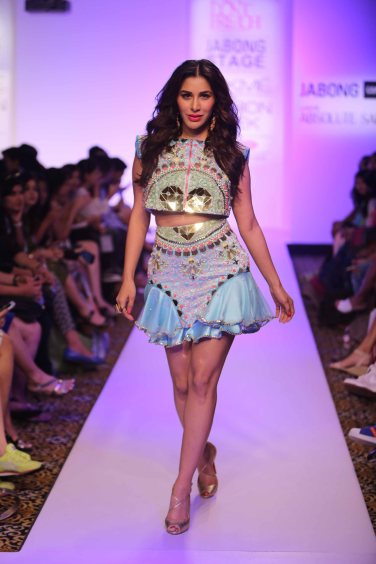 Sophie Choudry for Papa dont preach by Shubhika at Lakme Fashion Week Summer Resort 2015 (13)