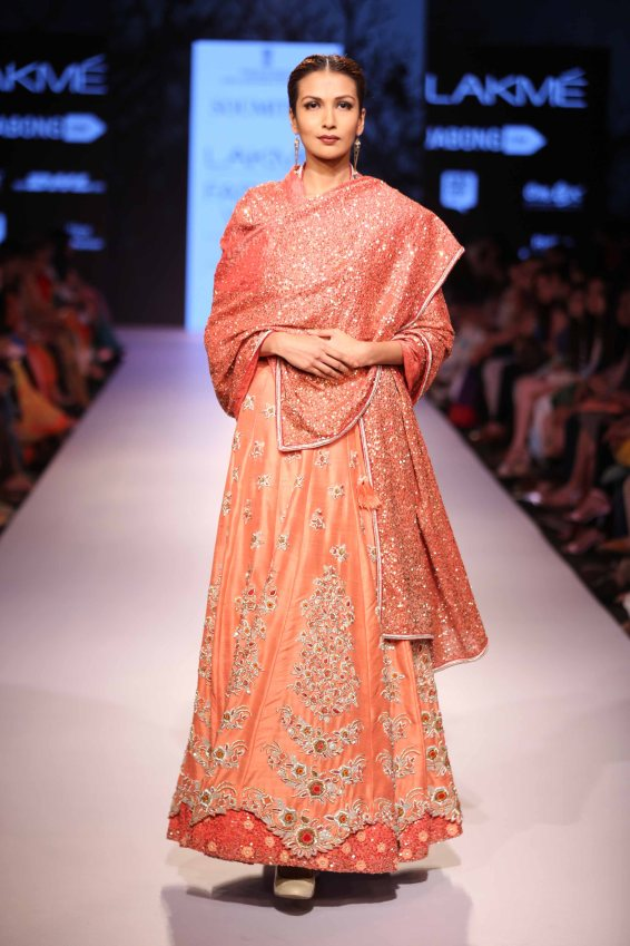 Soumitra Mondal Takes On A Contemporary Yet Royal Look For Lakme Fashion Week Urban Asian