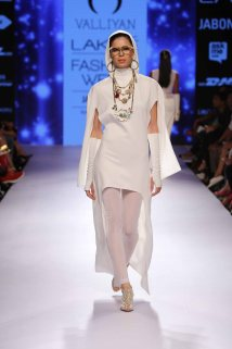 Valliyan by Nitya at Lakme Fashion Week Summer Resort 2015 (29)