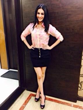 Actress Amyra Dastur in Pallavi Singhee