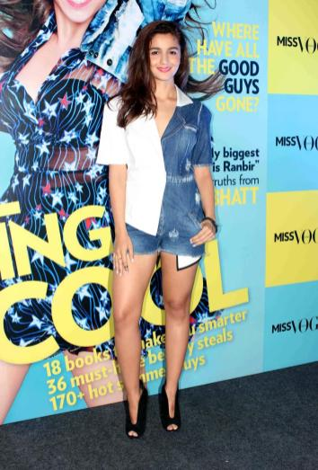 alia-bhatt-launches-first-edition-of-miss-vogue-india-71