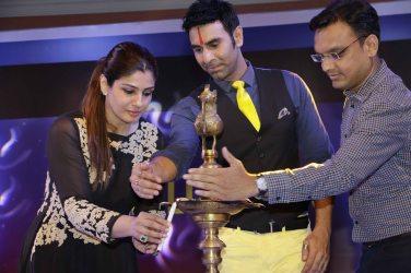 Raveena Tandon Sandip Soparrkar lighting up2