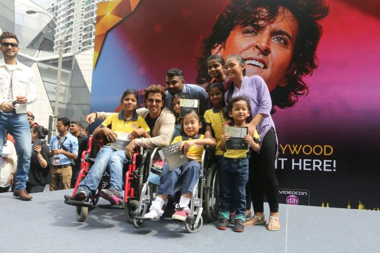 Hrithik Roshan at IIFA 2015 in Malaysia at the Pavalion Mall (2)