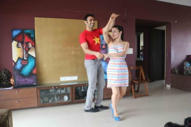 Amisha Patel learns dancing with Sandip!