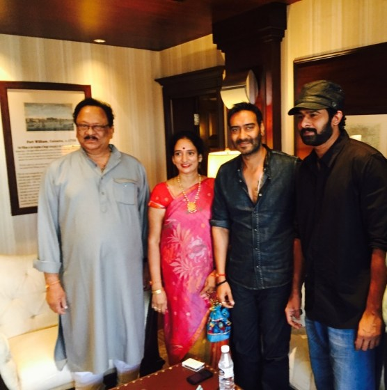 Ajay Devgn with Prabhas and his parents (1)