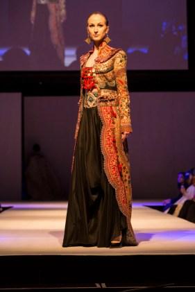 A Model wearing Anamika Khanna and Gaurav Gupta at the fashion show at IFFm 2015 4