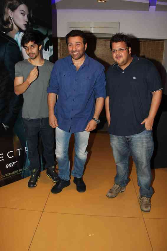 Sunny Deol with Shivam Patil and rishabh Arora (1)