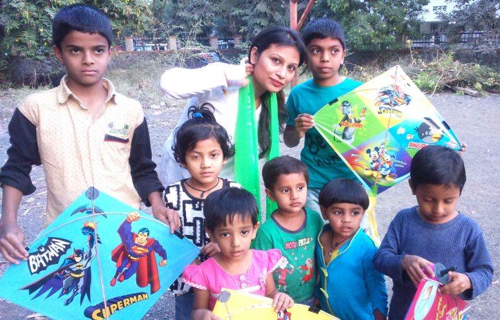 Kesariee Celebrating Kites with Children2