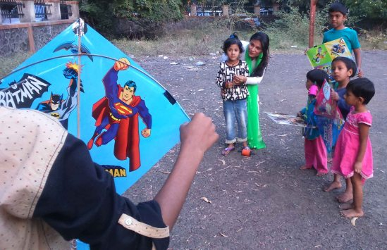 Kesariee Celebrating Kites with Children3