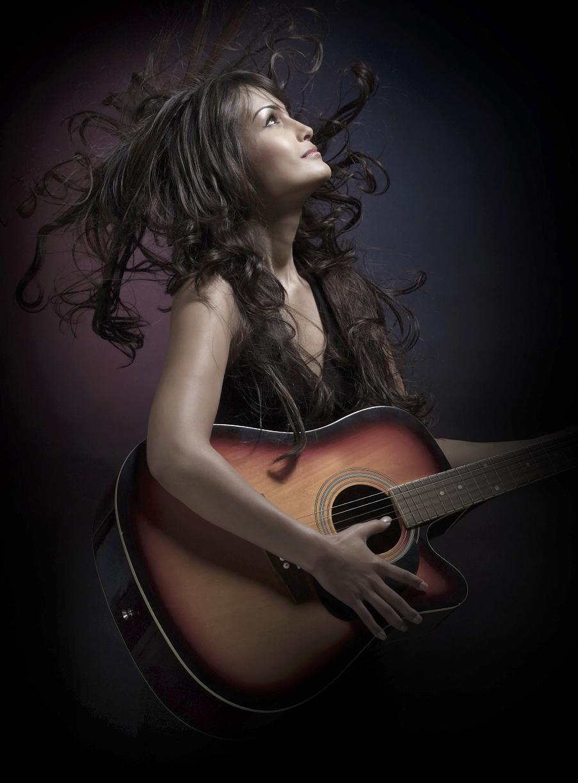 Nisha Rawal 1 - Live Unplugged-2