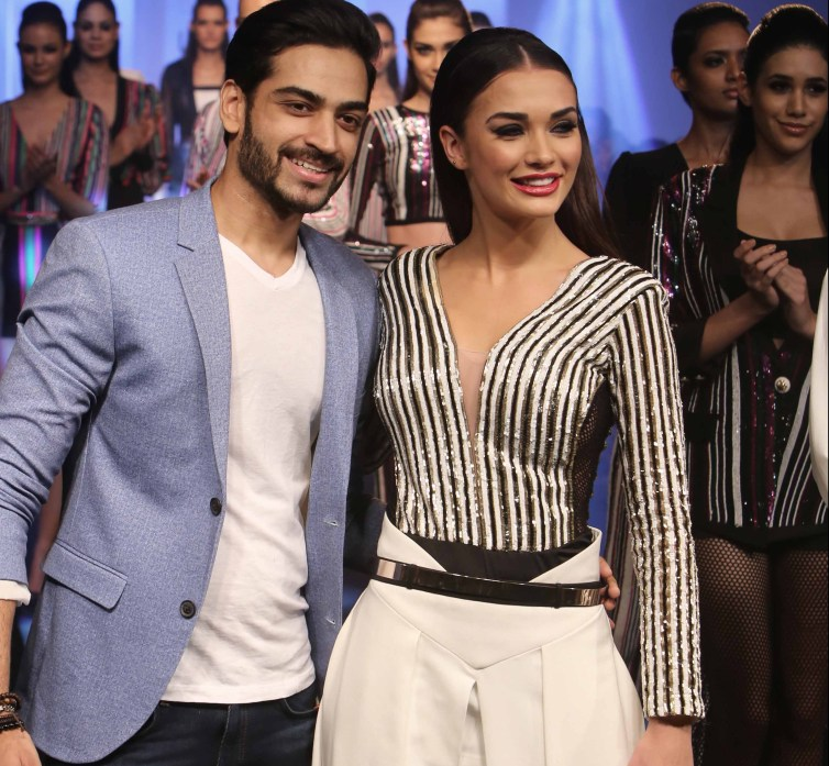 Designer Karn Malhotra with Showstopper Amy Jackson at LFW SR 16