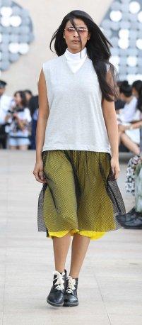 Models walk for Dhruv Kapoor at LFW SR 2016 (4)