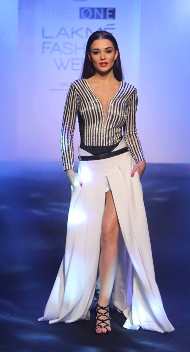 Showstopper Amy Jackson at LFW SR 2016
