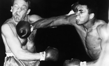 08/06/1966. The American boxer Muhammad ALI kept his heavyweight world champion title by beating the British boxer Brian LONDON in London, on the third round