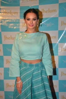 Evelyn Sharma in JFH - by Jhelum & Aarti at JFH launch (5)