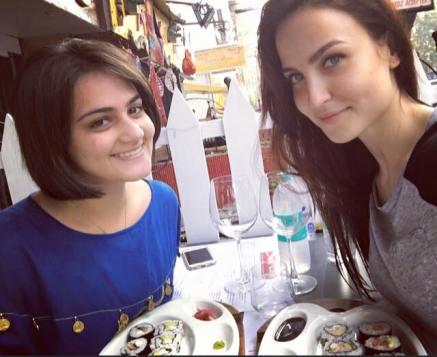 Shweta Rohira & Elli Avram (4)