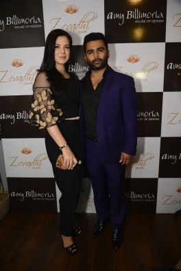 07 Urvashi Sharma and Sachiin Joshi @ Amy Billimoria House of Designer & Zevadhi Jewels Festive Collection launch soiree