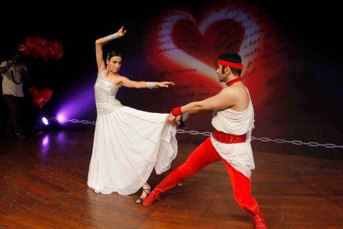 sandip-soparrkar-performing-with-alesia-raut-at-ncpa5