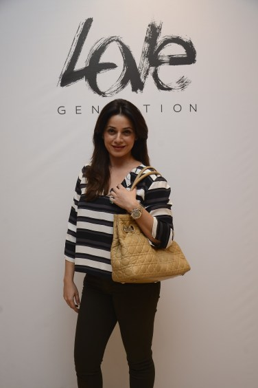 neelam-at-the-launch-of-love-genration-at-shoppers-stop