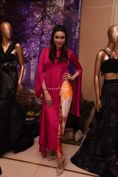 gizele-thakral-eshaa-amiins-new-year-party-wear-launch-at-aza