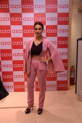 sana-khan-eshaa-amiins-new-party-wear-launch-at-aza