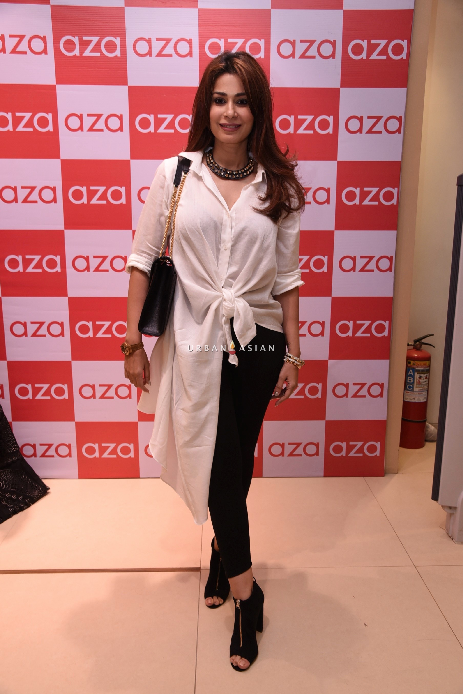 shaheen-abbas-eshaa-amiins-new-party-wear-launch-at-aza