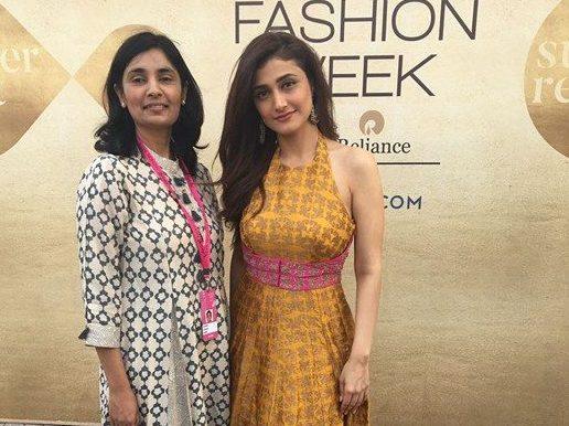 actor-ragini-khanna-with-designer-avni-bhuva-lakme