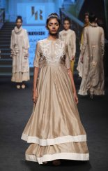 jayanti-reddy-at-lfw-sr-17-3
