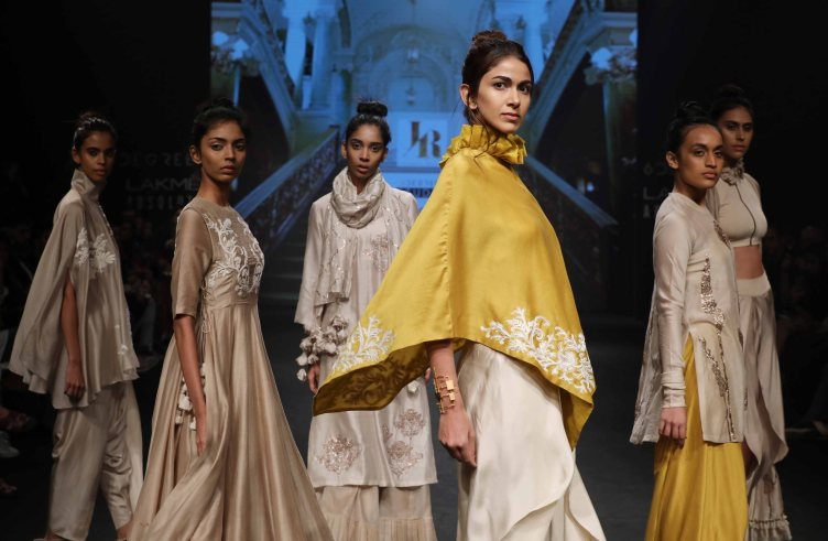 jayanti-reddy-at-lfw-sr-17-4