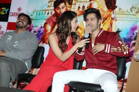 badrinath-ki-dulhania-press-conference-at-odeon-carnival-cinemas-in-delhi-7