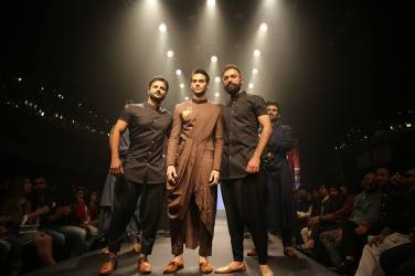An appeasing collection from Nikita Nayak, Suk-Suvigya & Kalash at Dream Diamonds Delhi Times Fashion Week