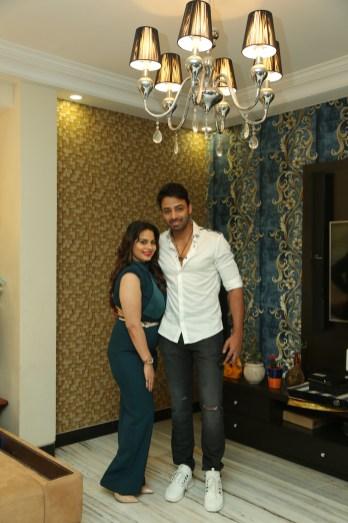 Teennaa Swayyam and Rajesh Shandaliya