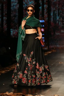 Shyamal and Bhumika Amazaon Fashion week 2018 (1)