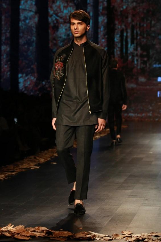 Shyamal and Bhumika Amazaon Fashion week 2018 (11)