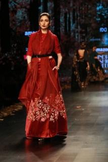 Shyamal and Bhumika Amazaon Fashion week 2018 (15)