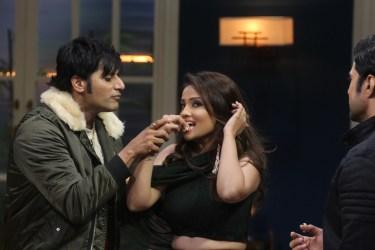 Adaa Khans cake cutting on the sets of JuzzBaatt 2