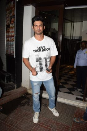 Sushant Singh Rajput at Stree wrap up party (2)