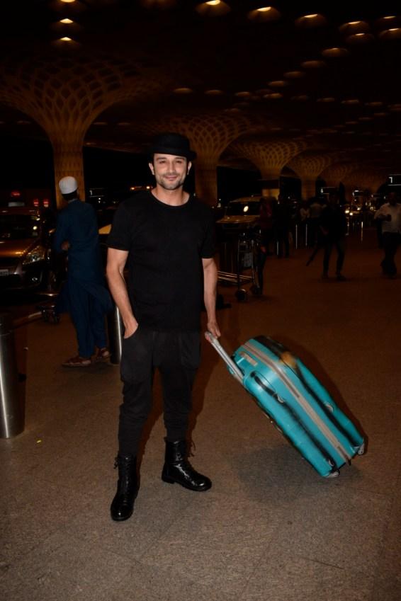 Bollywood celebs on their way for IIFA 2018 (4)