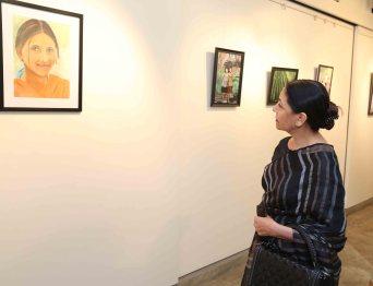 "Deepti Naval inaugurates Vimala Nandakumar's Art Exhibition ""The Girl -Sarva-shakti-Mayi""2"