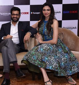 Akshay-Oberoi-Simran-Kaur-Mundi-at-the-launch-of-Hungama-original-Bar-Code