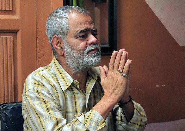 Sanjay Mishra In Zameen
