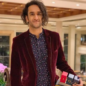 Vikas Gupta wins Impactful TV Personality of 2018 award.