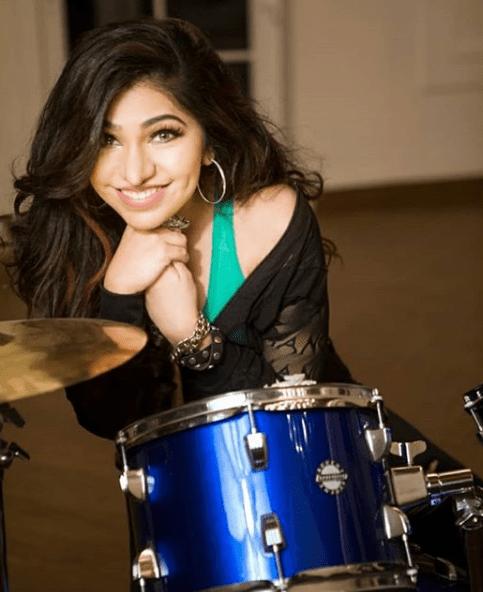 Tulsi Kumar's songs views