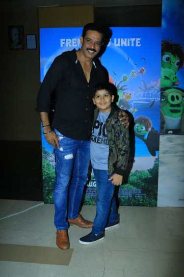 Anup Soni with son