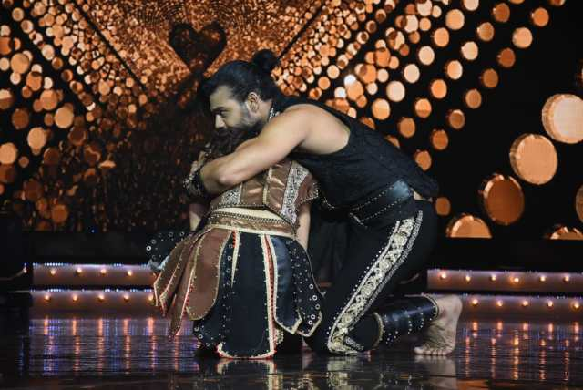 Vishal Singh and Madhurima Tuli on Nach Baliye 9