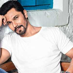 Randeep Hooda To Make A WebSeries Debut With THIS Cop Thriller