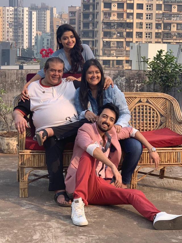 Priyaank Sharma and Riva Kishan with Sab Kushal Mangal producer Prachi Nitin Manmohan