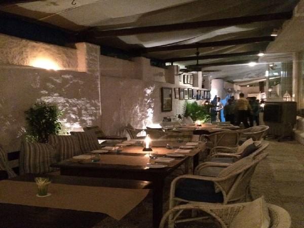 Olive Bar and Kitchen, Khar