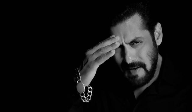 Salman Khan in a still from Pyaar Karona